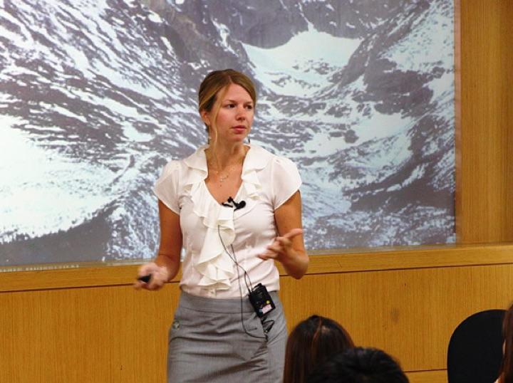 Christine_Haas_Presenting